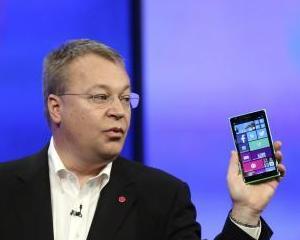 Nokia a incheiat vanzarea diviziei de telefoane mobile catre Microsoft