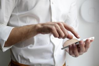 Cum alegi operatorul de telefonie mobila: 4 sfaturi