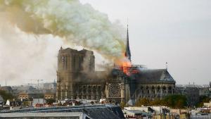 BREAKING NEWS: Catedrala Notre-Dame din Paris, in flacari. Imagini si video de la locul tragediei