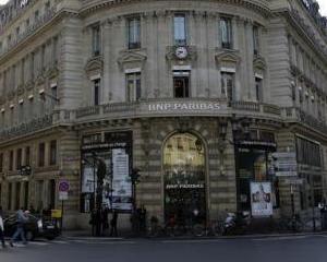 O mare banca din Franta trimite in somaj mii de angajati ai filialelor din Ucraina