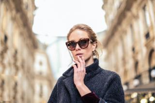 Sase sfaturi pentru a va alege ochelari de soare care sa va protejeze cu adevarat