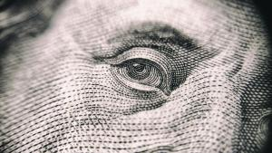Banii, ochiul coronavirusului?