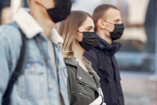 Oficial OMS: Lumea joaca un joc foarte periculos, deoarece virusul poate suferi mutatii