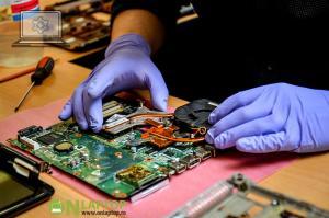 Reparatii laptop pentru persoane juridice