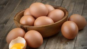 Consiliul Concurentei suspecteaza limitarea livrarilor de oua pentru cresterea artificiala a preturilor
