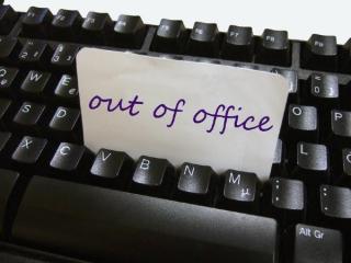 Out Of Office. Cum sa scrii un mesaj corect pentru perioada in care lipsesti de la birou