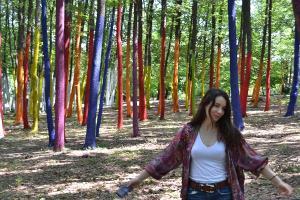 Lumea este mai frumoasa cu parcari pictate si paduri colorate