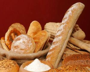 Reducerea TVA-ului la paine mai are de asteptat