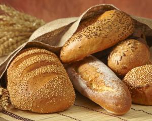 """ANPC a dat amenzi """"la paine"""" de peste 1,3 milioane de lei"""