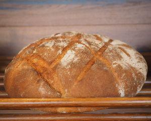 Ce au in comun painea ca in copilarie si implicarea sociala?
