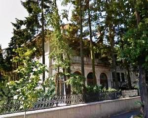 O oferta de nerefuzat: Palatul Primaverii, scos la vanzare