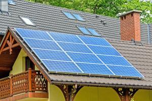 Program panouri fotovoltaice: Luni se semneaza contractul de finantare