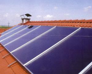 Europa taxeaza panourile solare din China