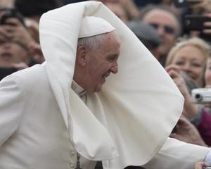 Papa a vorbit despre saracie si doreste sa restructureze divizia financiara a Vaticanului