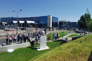 Parcul Zburatorilor: calatorii au parc de asteptare la Aeroportul Henri Coanda Bucuresti