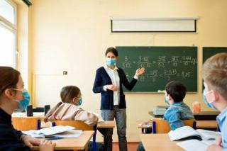Parintii vor scoala online, in localitatile unde incidenta depaseste pragul de 6 cazuri la mia de locuitori