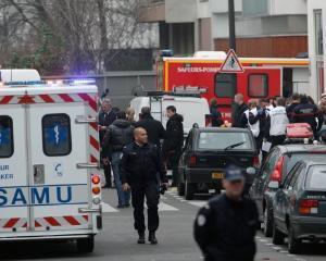 Alerta. Atentate teroriste la PARIS. Franta a declansat stare de urgenta si a inchis granitele