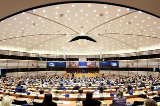 Parlamentul European a aprobat conditionalitatea statului de drept pentru accesarea fondurilor europene