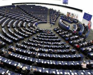 Europarlamentarii s-au cautat de alergii, la initiativa unui politician roman