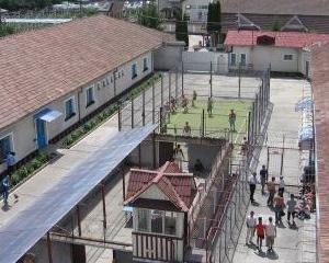 Elevii scolilor bistritene, in vizita la Penitenciarul Bistrita