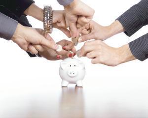 12,2 miliarde de lei au in conturi fondurile de pensii private