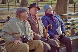Pro sau Contra: Majoritatea romanilor se vad muncind si dupa varsta pensionarii