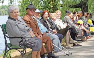 Pentru prima data in ultimii 20 de ani, numarul de salariati il va egala pe cel al pensionarilor, dar nu si in Teleorman, unde avem 16 pensionari la 10 angajati