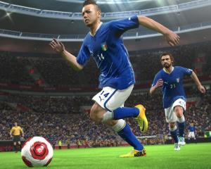 Pro Evolution Soccer 2014, lansat la Media Galaxy
