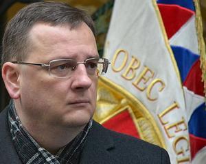 Scandal la Praga: Premierul ceh isi da demisia. Coalitia de dreapta pierde teren in fata opozitiei de stanga