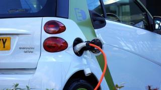 """Piata autoturismelor """"verzi"""" a crescut in 2020 in Romania cu peste 33%"""