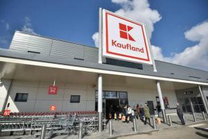 Kaufland, liderul pietei comertului alimentar din Romania, incepe sa piarda teren in fata Carrefour