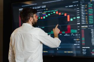 Inflatia si incertitudinea au cel mai mare impact asupra pietei financiare