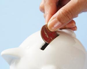 BNR: Romanii au economisit, in februarie, cu aproape 9 procente mai mult fata de aceeasi perioada din 2013