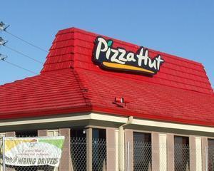 Pizza Hut va reangaja un manager care a refuzat sa deschida restaurantul de Ziua Recunostintei