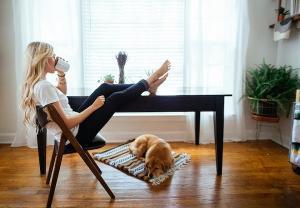 Aceste activitati din weekend iti afecteaza productivitatea din timpul saptamanii
