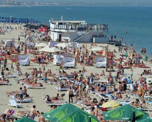 Analiza: Hotelierii de pe litoral ofera conditii proaste si preturi mai mari decat anul trecut