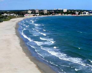 Plajele erodate de la Marea Neagra vor fi reparate de japonezi si olandezi