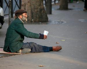 """Opinie Paul Barbu: """"Jocurile foamei"""" - varianta romaneasca pentru pensionari"""