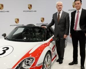 Ce viata au unii! Fiecare angajat de la Porsche va primi cate 8.000 de EURO