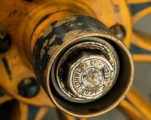 Prima masina proiectata de Ferdinand Porsche a fost una electrica (1898)
