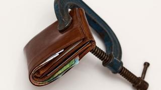 Dupa ce ca vin scumpirile, mai scade si salariul mediu nominal net: minus 1,9% in mai 2021