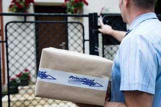 Amploarea luata de serviciul de livrare colete a crescut numarul reclamatiilor inregistrate la ANCOM, in primul semestru din 2020