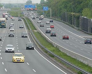 Premierul spune ca Romania nu are o autostrada pe Valea Oltului din cauza resurselor financiare insuficiente