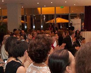 Gala Oameni pentru Oameni 2013: Premiu de excelenta pentru Vodafone Romania