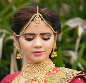 Nuntile din India si iminenta unei noi crize economice au crescut pretul aurului