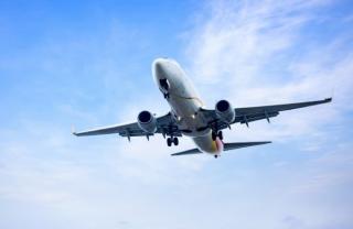 Prima companie aeriana care si-a vaccinat intreg personalul de la bord