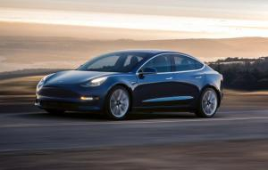 Probleme financiare la Tesla: producatorul risca sa ramana fara bani pana la sfarsitul acestui an