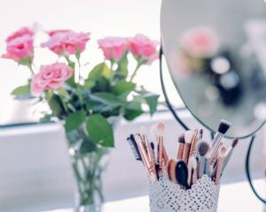 Ce produse cosmetice profesionale NU ar trebui sa iti lipseasca in sezonul cald