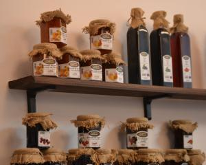 Magazinele cu produse traditionale se raspandesc in Capitala