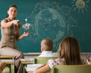 Educatia non-formala intra in liceele romanesti
